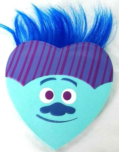 Dreamworks Trolls Trolls Large Foam Heart Box with Gummies